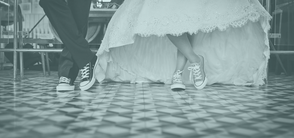 wedding couple wearing converse